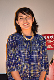 トークショーに出席した奥山佳恵「チョコレートドーナツ」