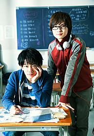 「バクマン。」に主演する 佐藤健と神木隆之介「バクマン。」