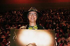 ワンオクファンからの声援を浴びた中野裕之監督「FOOL COOL ROCK! ONE OK ROCK DOCUMENTARY FILM」
