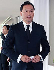 故蟹江敬三さんの「お別れの 会」に出席した俳優の渡辺謙「わが町(1956)」
