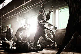 若きリーダーを演じるのは「キャプテン・アメリカ」のクリス・エバンス!「スノーピアサー」