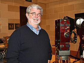 ルーカスの所蔵品約50万点を展示する「スター・ウォーズ」