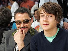 ロバート・ダウニー・Jr.と息子インディオ「アイアンマン」