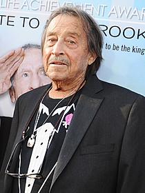 俳優、脚本家としても才能を発揮した マザースキー監督「結婚しない女」