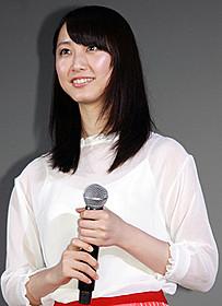 舞台挨拶に立った松井玲奈「gift」