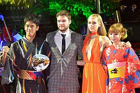 ジャパンプレミアに登場した (左から)武井、レイナー、ペルツ、中川「トランスフォーマー」