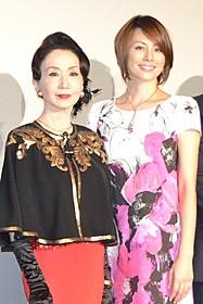 共演した岩下志麻と米倉涼子「アウトバーン」