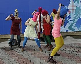 ロシアの女性パンクロック集団「プッシー・ライオット」