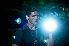 夜間の動物園で撮影されたバナのシーン「NY心霊捜査官」