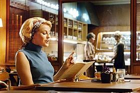 「ストックホルムでワルツ」の一場面「ストックホルムでワルツを」