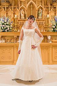 人生初のウエディングドレスを 身にまとった岡田将生「想いのこし」
