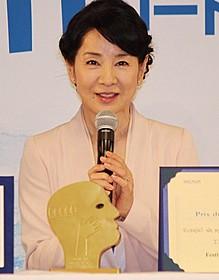 会見で受賞の喜びを語った吉永小百合「ふしぎな岬の物語」