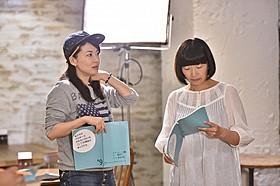 それぞれ初監督と初主演を務める鈴木砂羽(左)と「たんぽぽ」川村エミコ「タンポポ」