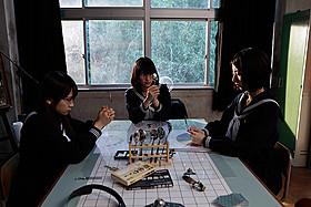 乃木坂46・生田絵梨花らが奮闘する 「超能力研究部の3人」「超能力研究部の3人」
