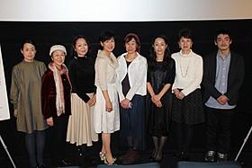 演技経験のない一般人を含むユニークな経歴の女性たちが出演「滝を見にいく」