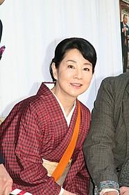 主演作のヒットを喜ぶ吉永小百合「ふしぎな岬の物語」