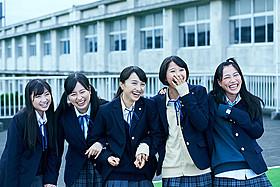 平田オリザ原作×本広克行監督の青春映画に ももクロの5人がそろって主演「幕が上がる」