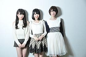 (左から)秋元真夏、生田絵梨花、橋本奈々未「超能力研究部の3人」