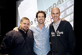 取材に応じた(左から)ポール・ブリッグス、 ロバート・L・ベアード、ダン・ガーソン「ベイマックス」
