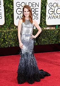 ジバンシィのドレスで登場したジュリアン・ムーア「アリスのままで」
