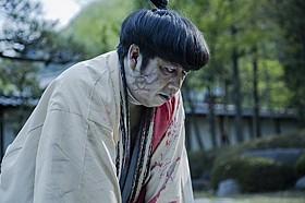 """""""サムライゾンビ""""と化した日村の表情に注目!「新選組オブ・ザ・デッド」"""