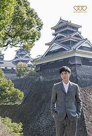 熊本城を訪れた高良健吾「悼む人」