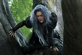 魔女役メリル・ストリープの歌唱シーンを公開!「イントゥ・ザ・ウッズ」