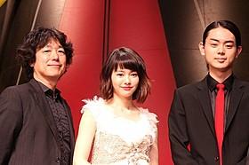 「暗殺教室」に出演する菅田将暉と山本舞香「映画 暗殺教室」