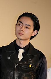 大阪の劇場で鑑賞する家族に メッセージをおくった菅田将暉「映画 暗殺教室」