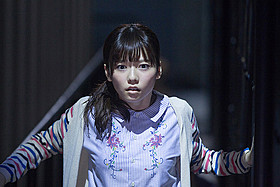 初の映像が公開された 島崎遥香主演×中田秀夫監督の「劇場霊」「劇場霊」