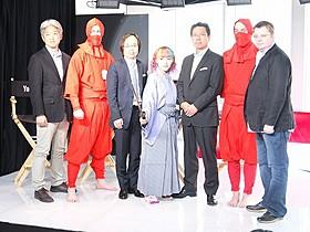 会見に出席した東映・高橋剣氏(左)ら「幕末高校生」