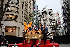 全長8メートルの実物大イングラムが新宿に!「THE NEXT GENERATION パトレイバー 首都決戦」