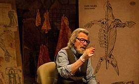 マイケル・パークスがセイウチに執心する狂気の老人に「Mr.タスク」