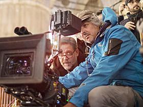 ラッセル・クロウの監督デビュー作 「The Winter Devider(原題)」を撮影するレスニーさん(右)「ロード・オブ・ザ・リング」