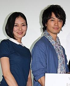 製作総指揮を務めた斎藤工(右)と板谷由夏