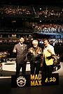 AKIRA&竹内力「マッドマックス」ジャパンプレミアでジョージ・ミラー監督に最敬礼