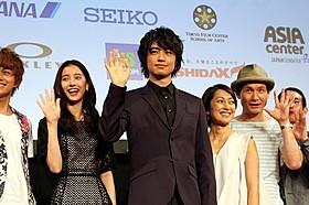 ショートフィルムの映画祭に斎藤工らが登場「家族ごっこ」