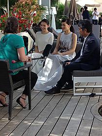 カンヌ映画祭で取材を受ける 長澤まさみ、綾瀬はるか、是枝裕和「海街diary」