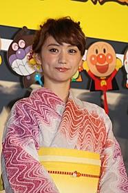浴衣姿で登壇した大島優子「それいけ!アンパンマン ミージャと魔法のランプ」