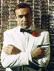 ショーン・コネリーがボンドを演じた 「007/ゴールドフィンガー」(1964)の一場面「007/ゴールドフィンガー」