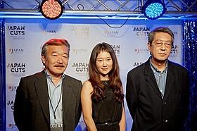 「ジャパン・カッツ!」に参加した(左から) 森重晃プロデューサー、工藤夕貴、荒井晴彦監督「この国の空」