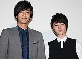 ラブシーンを振り返った黒羽麻璃央(左)と横田龍儀「宇田川町で待っててよ。」