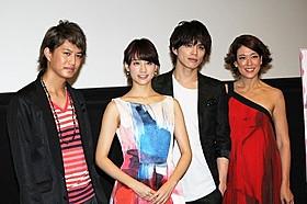 舞台挨拶を盛り上げた山本美月、LiLiCoら「東京PRウーマン」