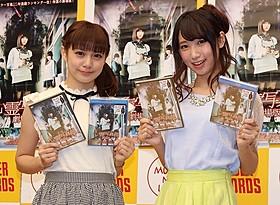 元PASSPO☆奥仲麻琴(左)と上野優華「心霊写真部 劇場版」