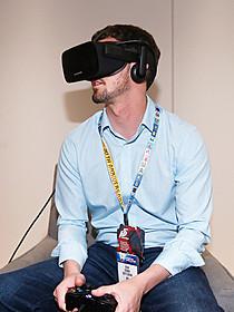 最新型Oculus Riftのヘッドマウントディスプレイ