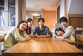 竹野内豊と松雪泰子が疑似夫婦を演じた 「at Home アットホーム」「at Home アットホーム」