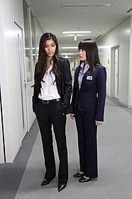 スペシャルドラマ第3弾で雪平と望月が初対面!「アンフェア the end」