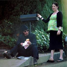 キアヌの子どもを宿していた 恋人のジェニファー・サイムさん「マトリックス」