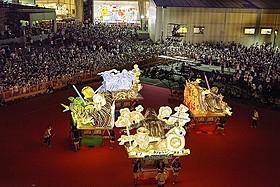 8月1日に行われた「青森ねぶた祭り」前夜祭セレモニーの模様「スター・ウォーズ」