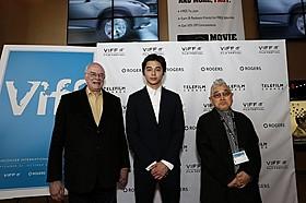 映画祭のプログラマー、トニー・レインズ氏と共に「GONIN」
